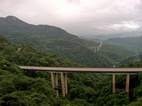 The new elevated highway snakes through the Serra do Mar. This portion was closed due to landslides.